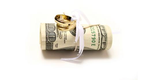 福山結婚とアミューズ株価の関係