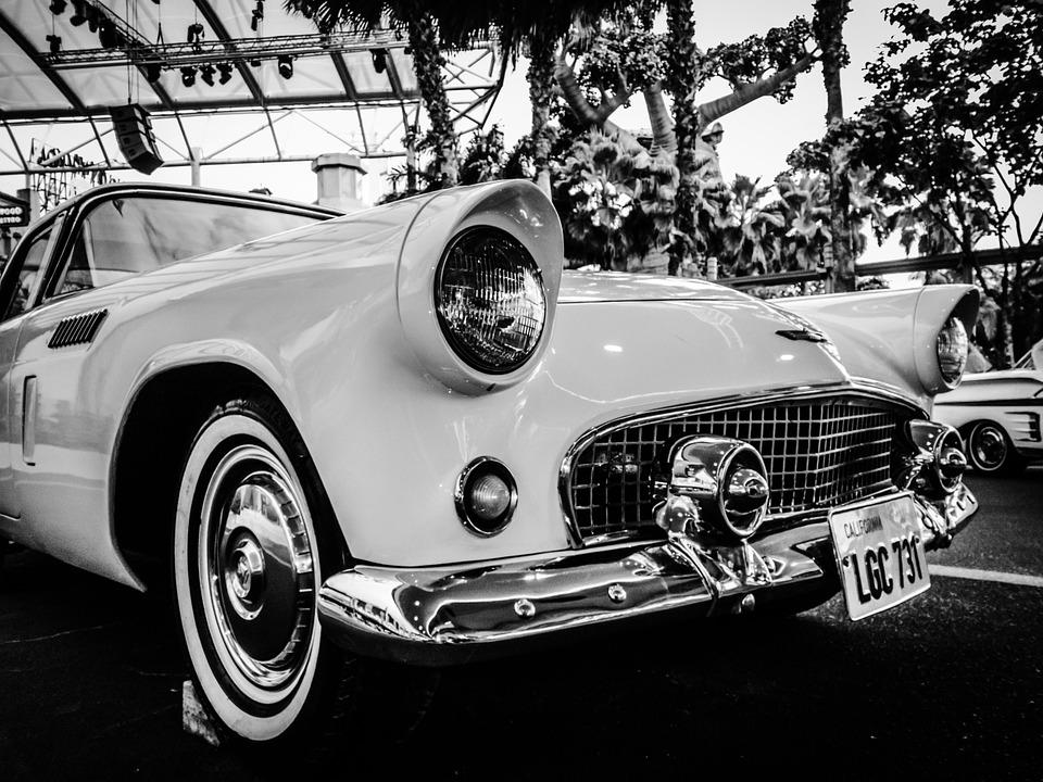 classic-car-584118_960_720