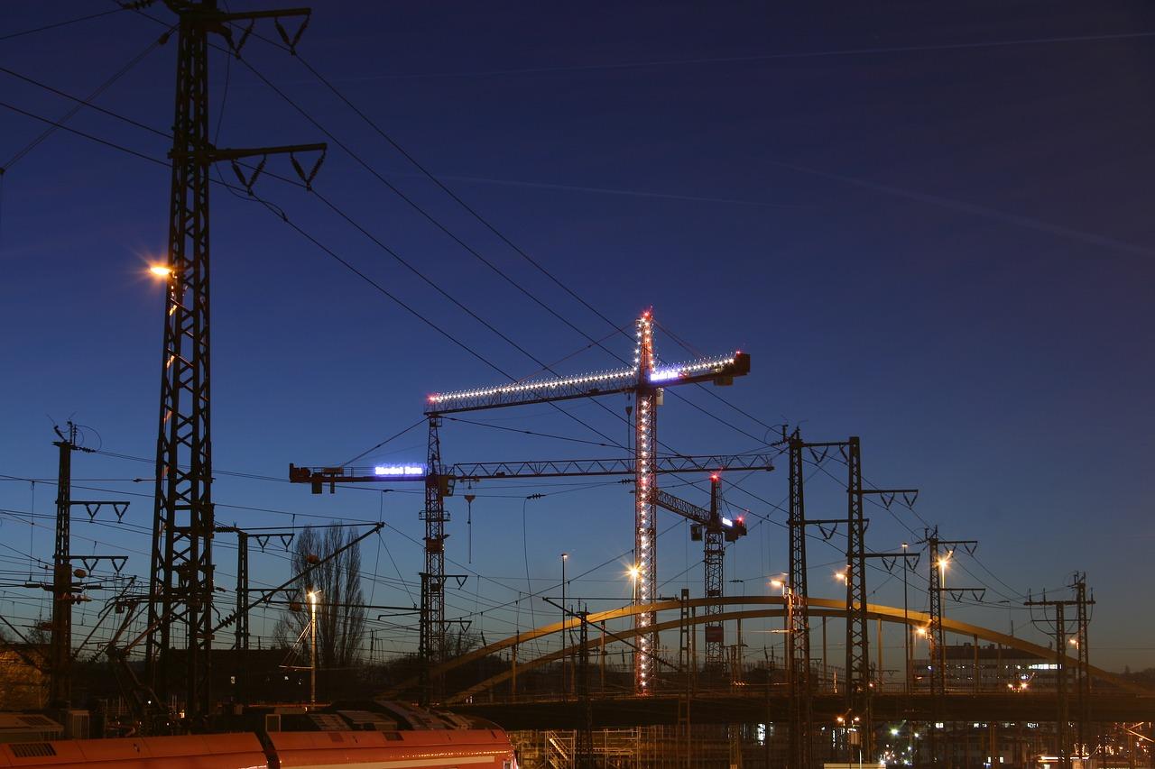 crane-1885101_1280