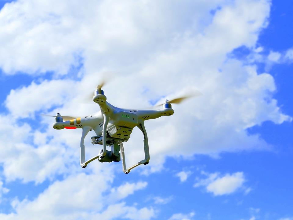 drone-1579118_960_720