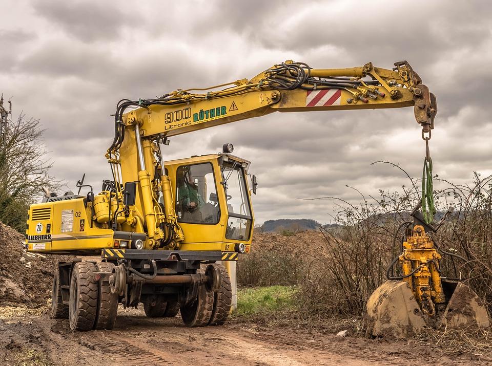 excavators-1212472_960_720