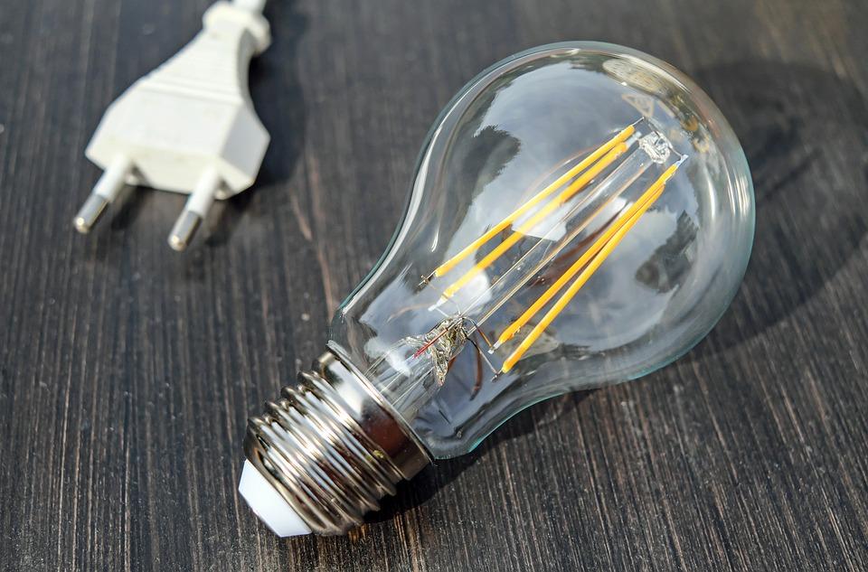 light-bulb-1640438_960_720
