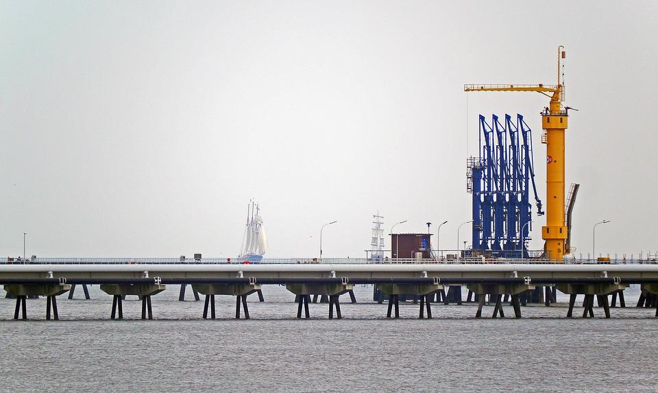 oil-port-1785693_960_720