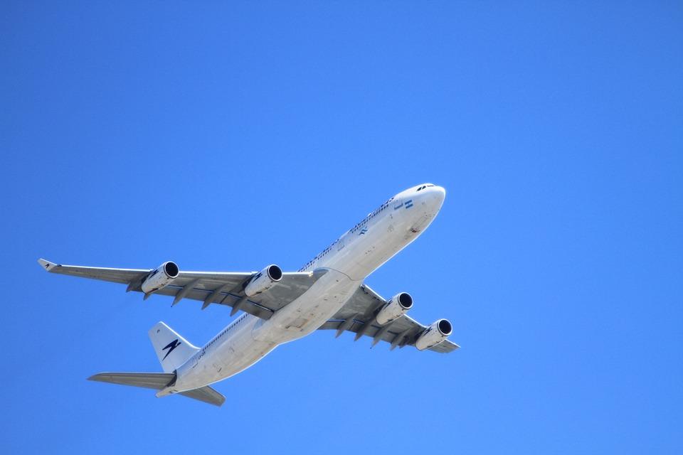 plane-50893_960_720 (1)