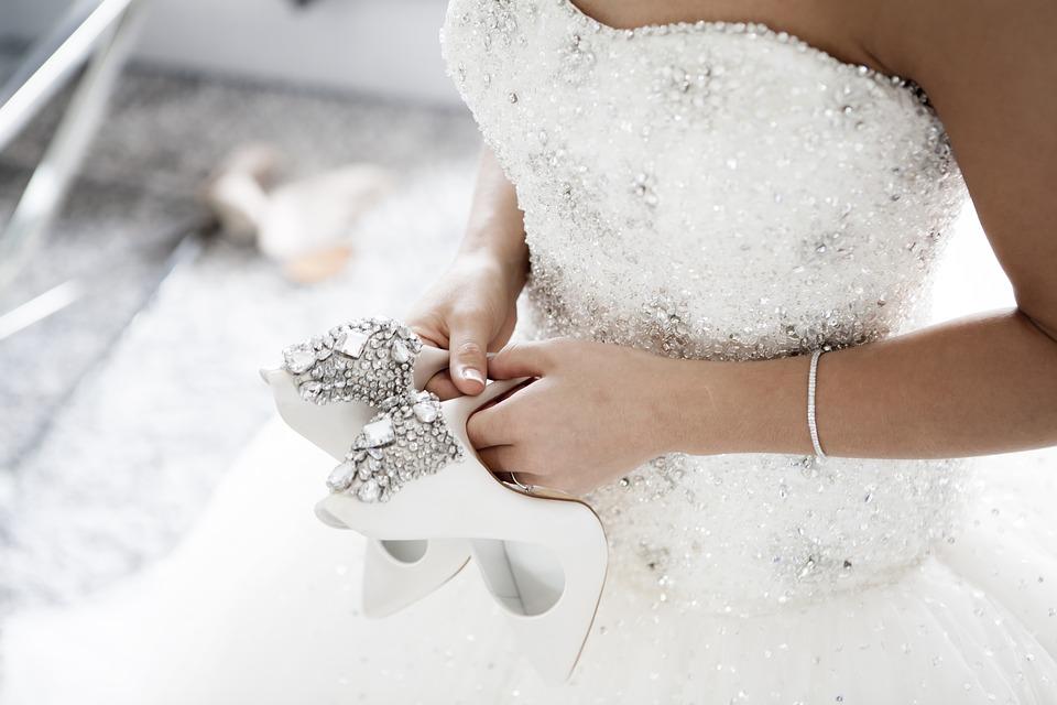 wedding-2589802_960_720